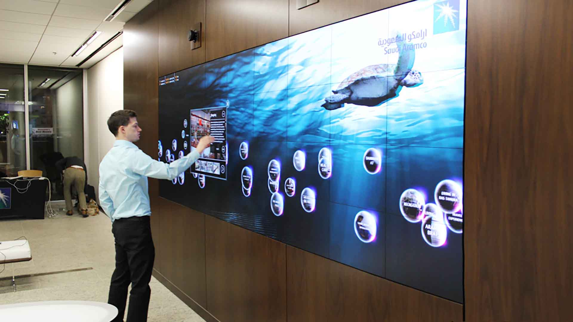 Detail view of client interacting with media screen and its content management system