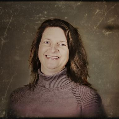 Glamour shot of michele knueppel